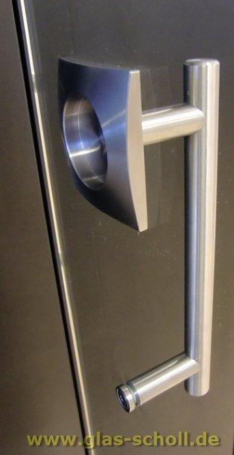 Rundrohr-Edelstahl-Stossgriff mit einseitig eckiger Griffmuschel (Edelstahl)