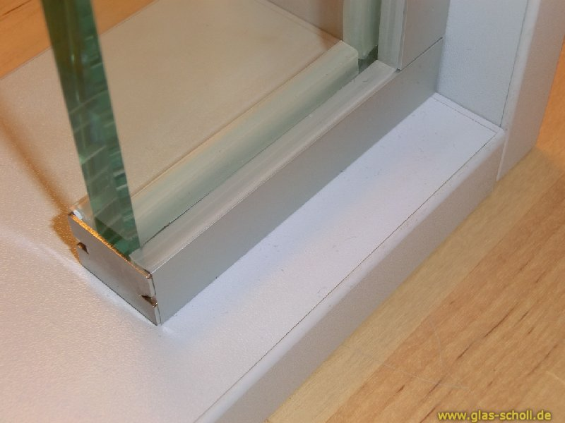 glas scholl webshop boden wand profil mit silikonband u profil silber matt artikel rund. Black Bedroom Furniture Sets. Home Design Ideas